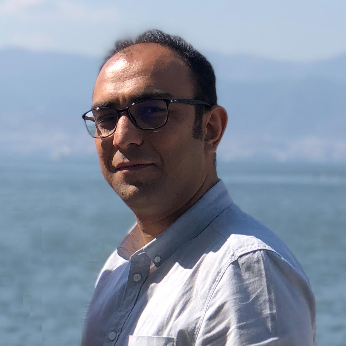 تیم آذر آنلاین- سینا نصیری باویل